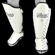 Fairtex sípcsontvédő SP5 - fehér